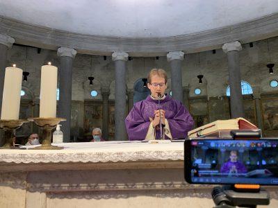 Szentmise a Santo Stefano Rotondo templomban 2020.11.29